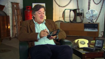 Apple Newton with Stephen Fry