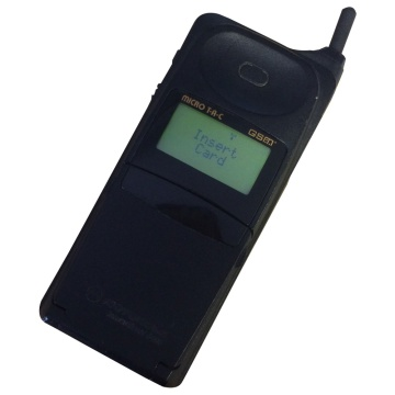 Motorola Micro TAC International 8400 Mobile Phone