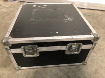 Tatty Flightcase (4)